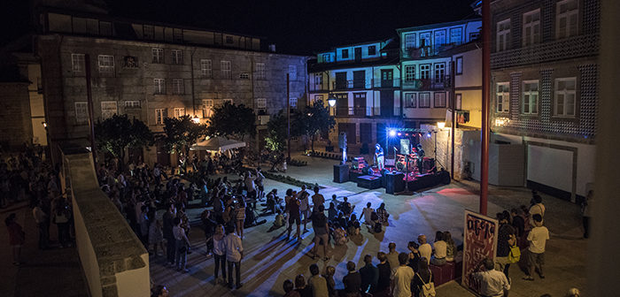 Nova praça vimaranense tem nova música portuguesa